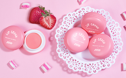 Nykaa Lip Crush Macaron Lip Balm - Strawberry 06